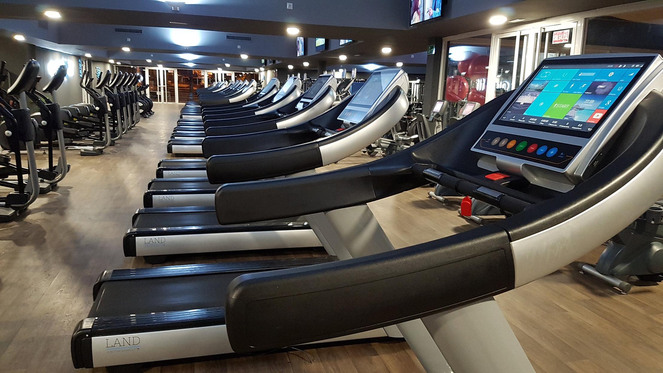 Tu nuevo gimnasio en montequinto for Gimnasio dos hermanas