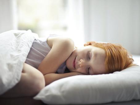 Problemas de insomnio infantil, por qué se producen y cómo mejorarlos