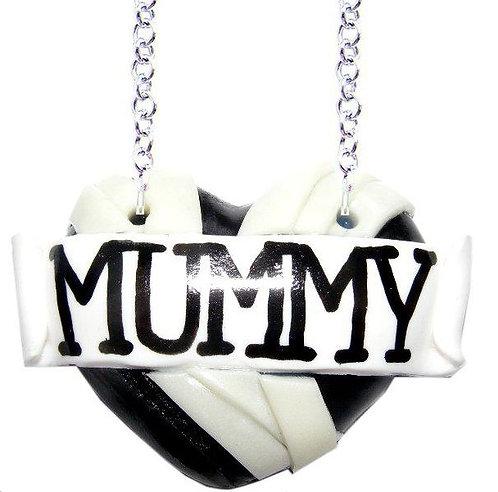 Mummy single heart necklace