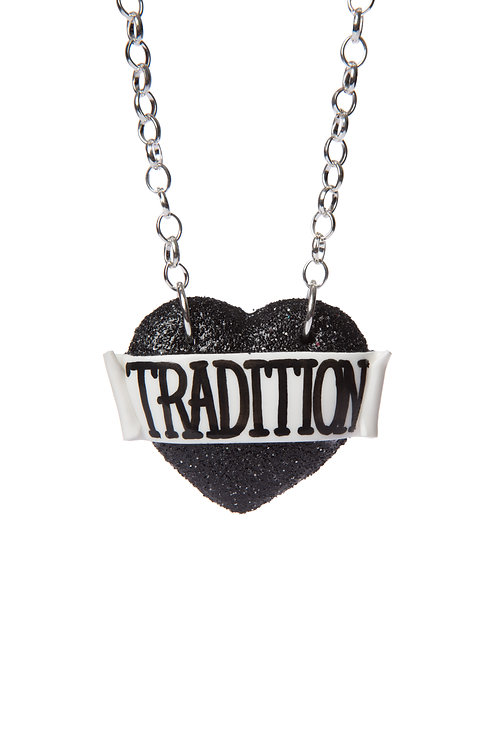 Tradition single heart necklace