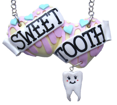 Sweet Tooth large double heart necklace
