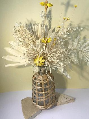 Daisy fields flora arrangement (medium)