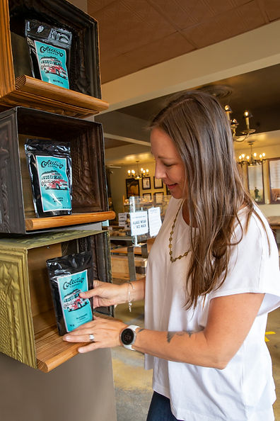 HAPPYSORT HEADSHOT STANDING ACTION COFFE