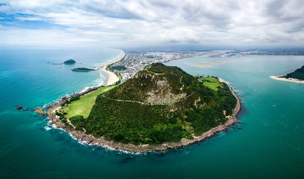 Our Impromptu Hike Up Mount Maunganui with the Transparent Travelers at www.transparenttravelers