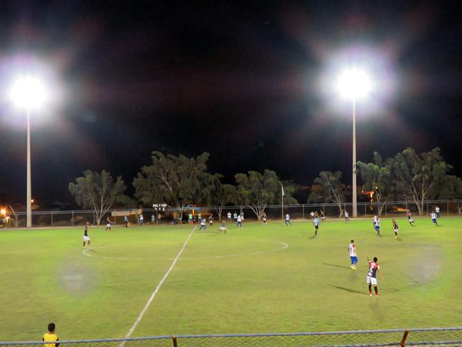 Iluminação do estádio de Macaúbas é inaugurada