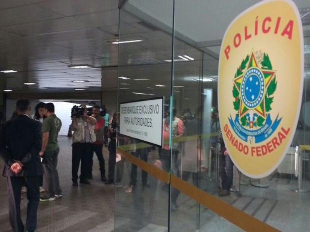 PF prende policiais legislativos suspeitos de atrapalhar investigações
