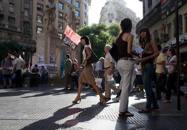 Argentina cria multa contra assédio sexual nas ruas de Buenos Aires