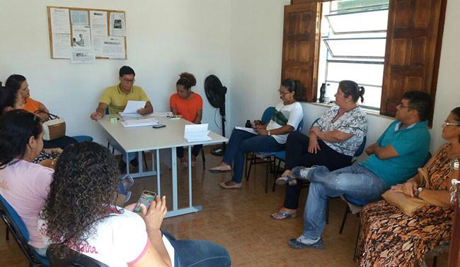 CMS de Macaúbas faz reunião para discutir o não funcionamento do Raio-X do Hospital