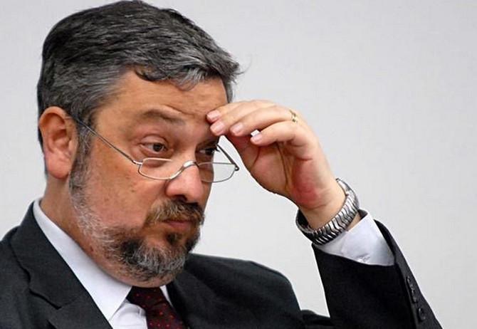 Ex-ministro Palocci é condenado a 12 anos de prisão