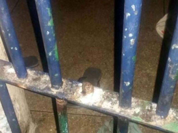 Polícia frustra tentativa de fuga dos 34 presos da delegacia de Brumado