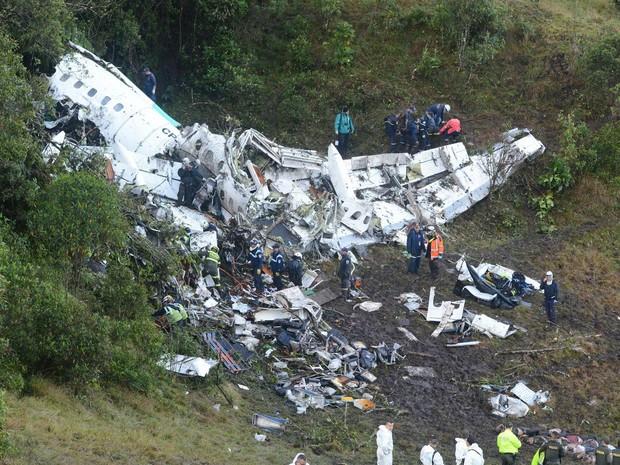 Colômbia anuncia fim do resgate de avião: 71 mortos e seis sobreviventes