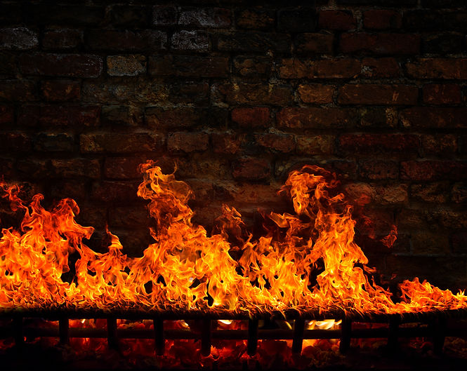 fire-in-the-fireplace-QNK5ZJ7.jpg