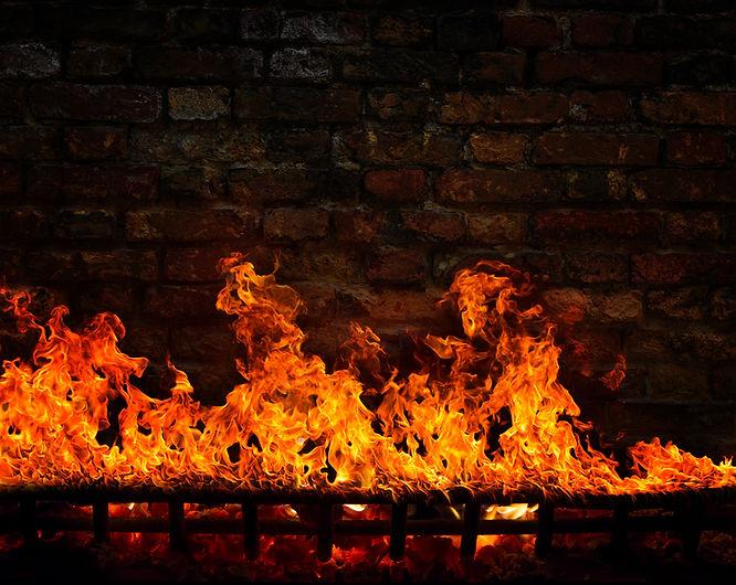 fire-in-the-fireplace-QNK5ZJ7.jpg