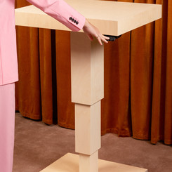 2021_tenho-electric table_1800.jpg
