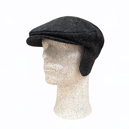 Hanna Hats -tweed-lätsä korvasuojilla