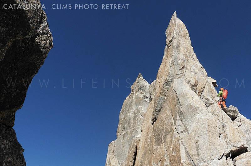 Photography Adventure Travel Catalunya Climb Lake Peak