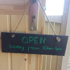 Auld Mill Alpacas door sign