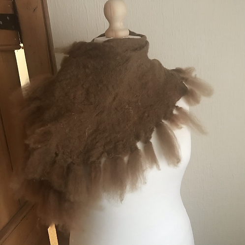 Tufted Alpaca Collar