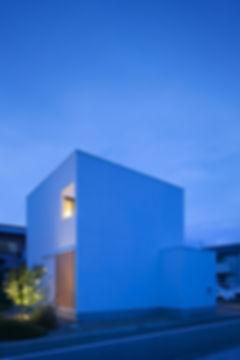 外観,中庭,シンプル,モダン,箱型,キューブ,家,住宅,注文住宅,デザイン,ミニマル,家,建築家,設計事務所