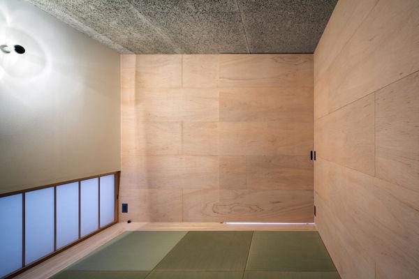 和室,畳,ラワン合板,木毛板,地窓,シンプル,モダン,家,住宅,注文住宅,デザイン,ミニマル,家,建築家,設計事務所