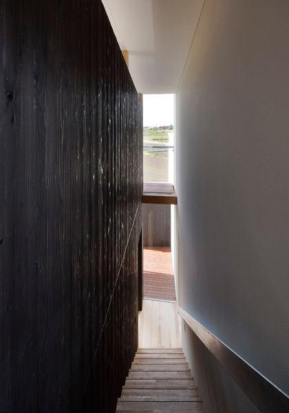 階段,吹抜け,焼き杉板,眺望,シンプル,モダン,家,住宅,注文住宅,デザイン,ミニマル,家,建築家,設計事務所,兵庫県,加東市