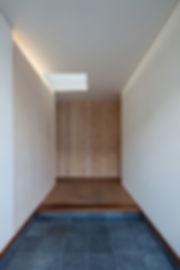 玄関,平屋,シンプル,モダン,珪藻土,玄昌石,住宅,注文住宅,デザイン,ミニマル,家,建築家,設計事務所