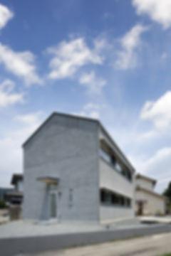 外観,モルタル,切妻,シンプル,モダン,家,住宅,注文住宅,デザイン,ミニマル,家,建築家,設計事務所,兵庫県,宍粟市