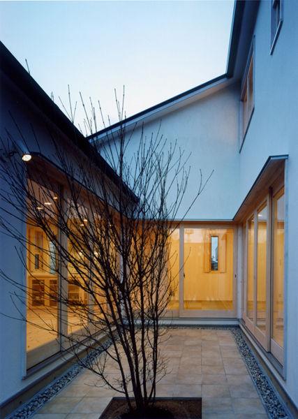 外観,中庭,シンプル,モダン,家,住宅,注文住宅,デザイン,ミニマル,家,建築家,設計事務所,兵庫県,加東市