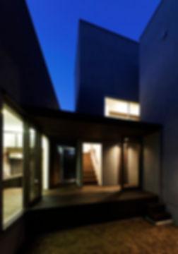 夜景,中庭,シンプル,モダン,家,住宅,注文住宅,デザイン,ミニマル,家,建築家,設計事務所,兵庫県,たつの市
