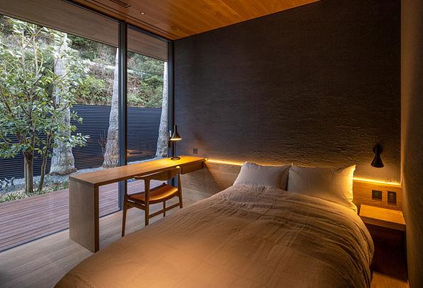 32_メイン棟 寝室-1.jpg