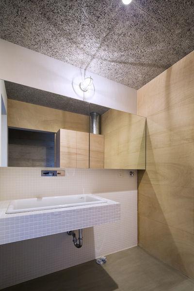 洗面,洗面台,ラワン合板,セメント板,木毛板,造作,シンプル,モダン,家,住宅,注文住宅,デザイン,ミニマル,家,建築家,設計事務所