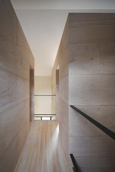 廊下,勾配天井,ラワン合板,桧フローリング,シンプル,モダン,家,住宅,注文住宅,デザイン,ミニマル,家,建築家,設計事務所