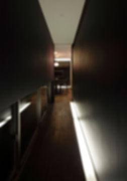 廊下,地窓,間接照明,中庭,シンプル,モダン,家,住宅,注文住宅,デザイン,ミニマル,家,建築家,設計事務所,兵庫県,神戸市