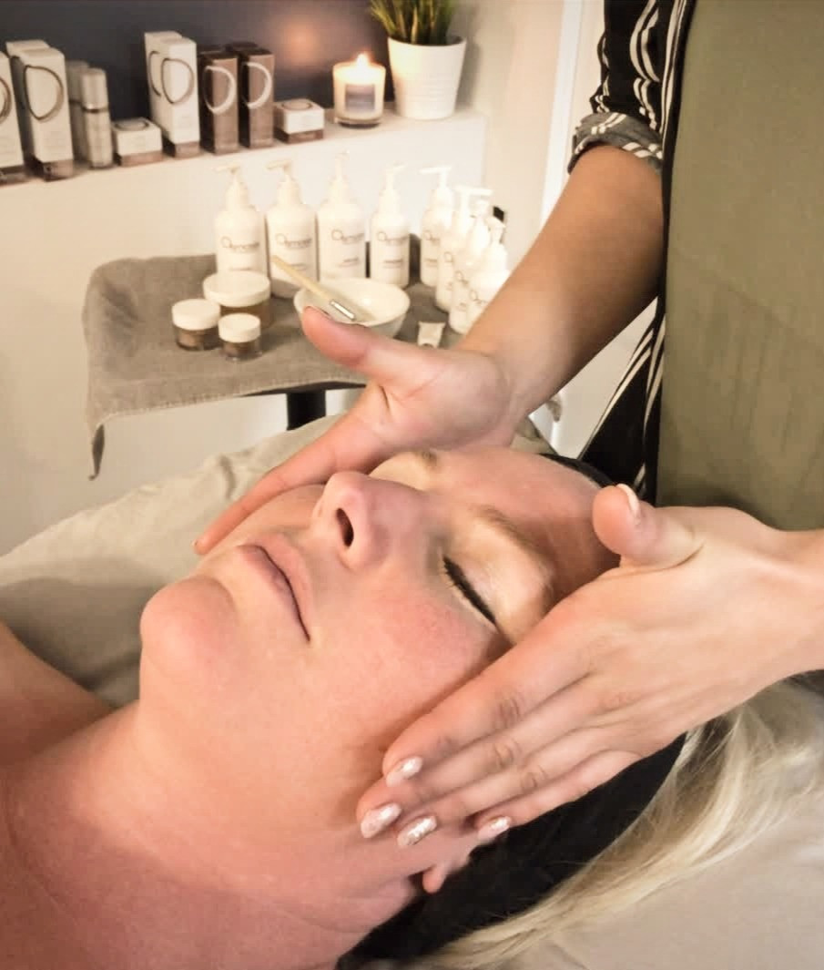 Acne treatment at Pur Glo Natural Skin Rejuvenation Centre in Winnipeg