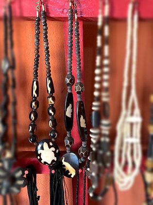 Collier os et perles