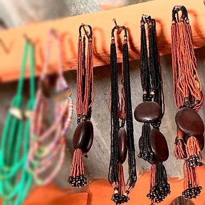 Collier long perles et graine