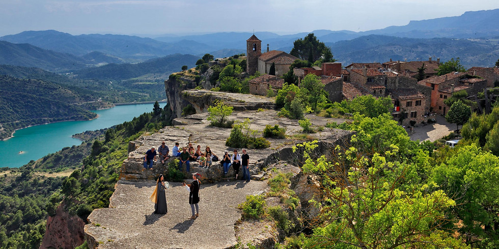 II Paseo al Pueblo Medieval Siurana