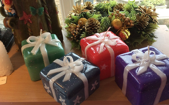 Gift box candles
