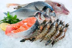 Выкладка рыбы на витрину