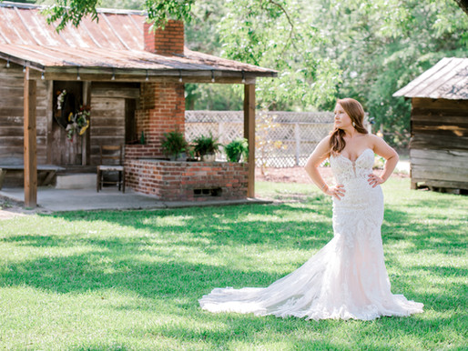 Bridal portraits at The Cinnamon House and Garden