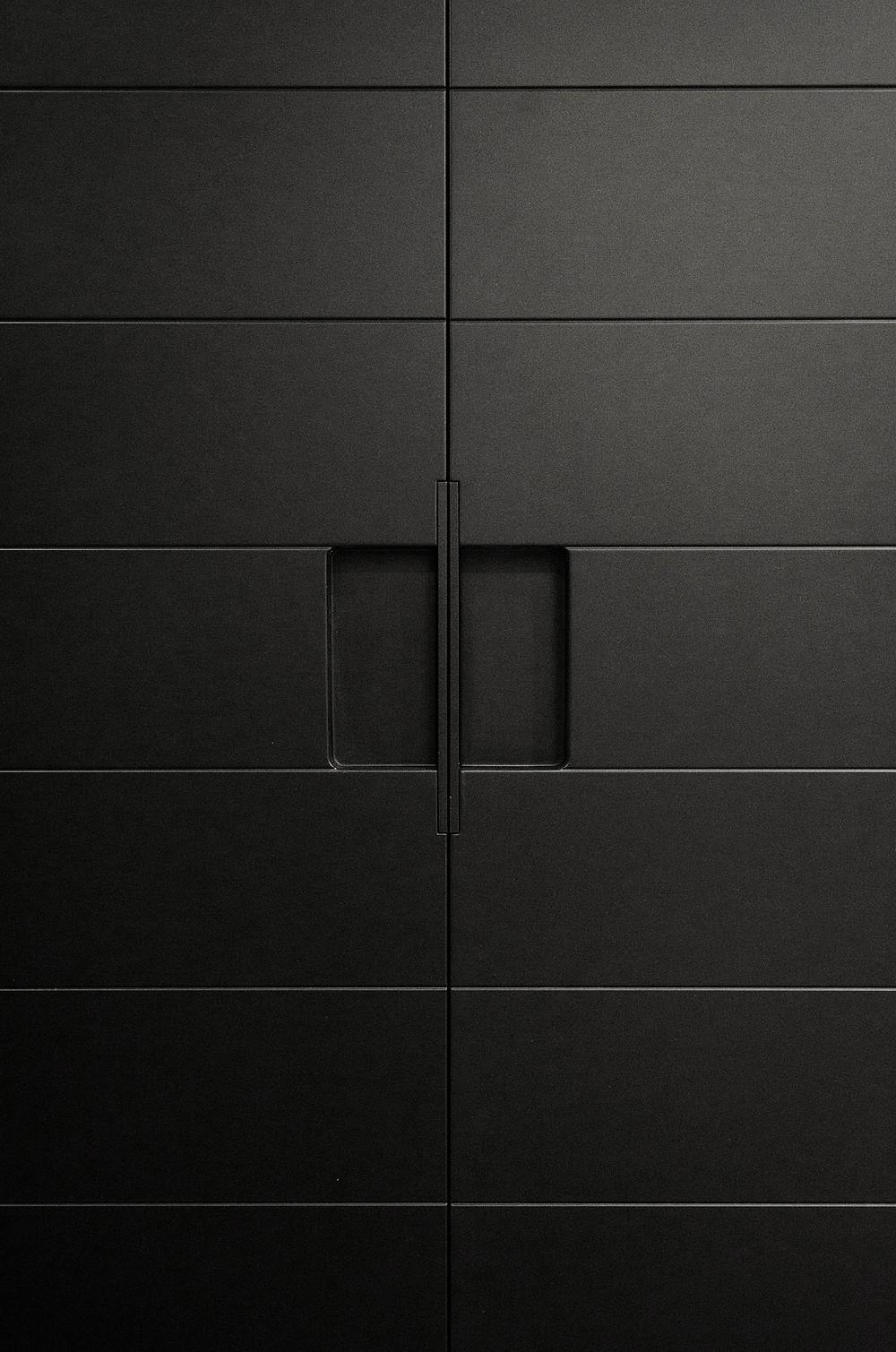 Раздвижная дверь на амбарном механизме Monorolla