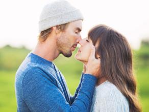 4 Secrets of Happy Couples
