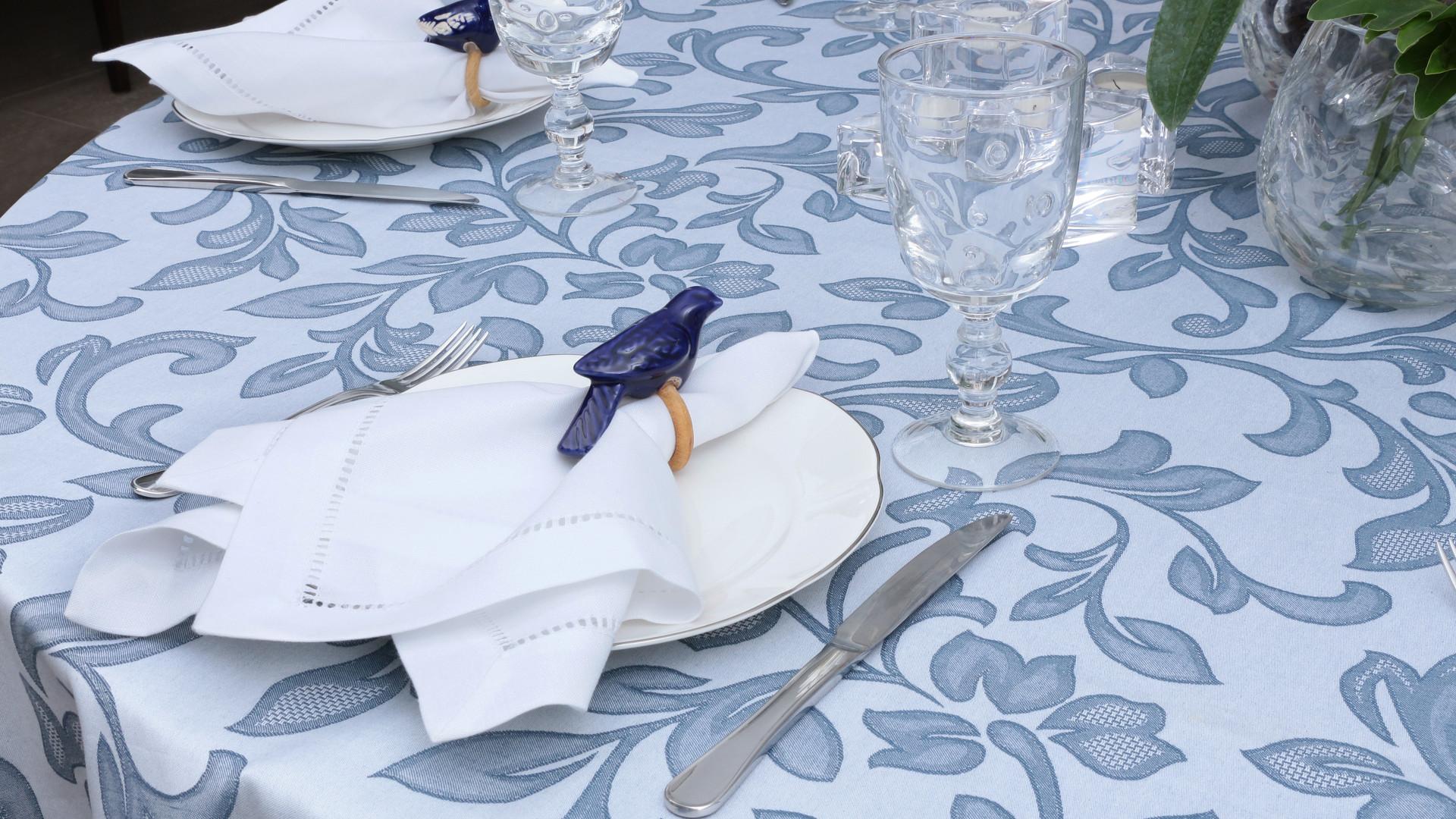 Toalha de Mesa_Isadora_Nicolas Azul (1).