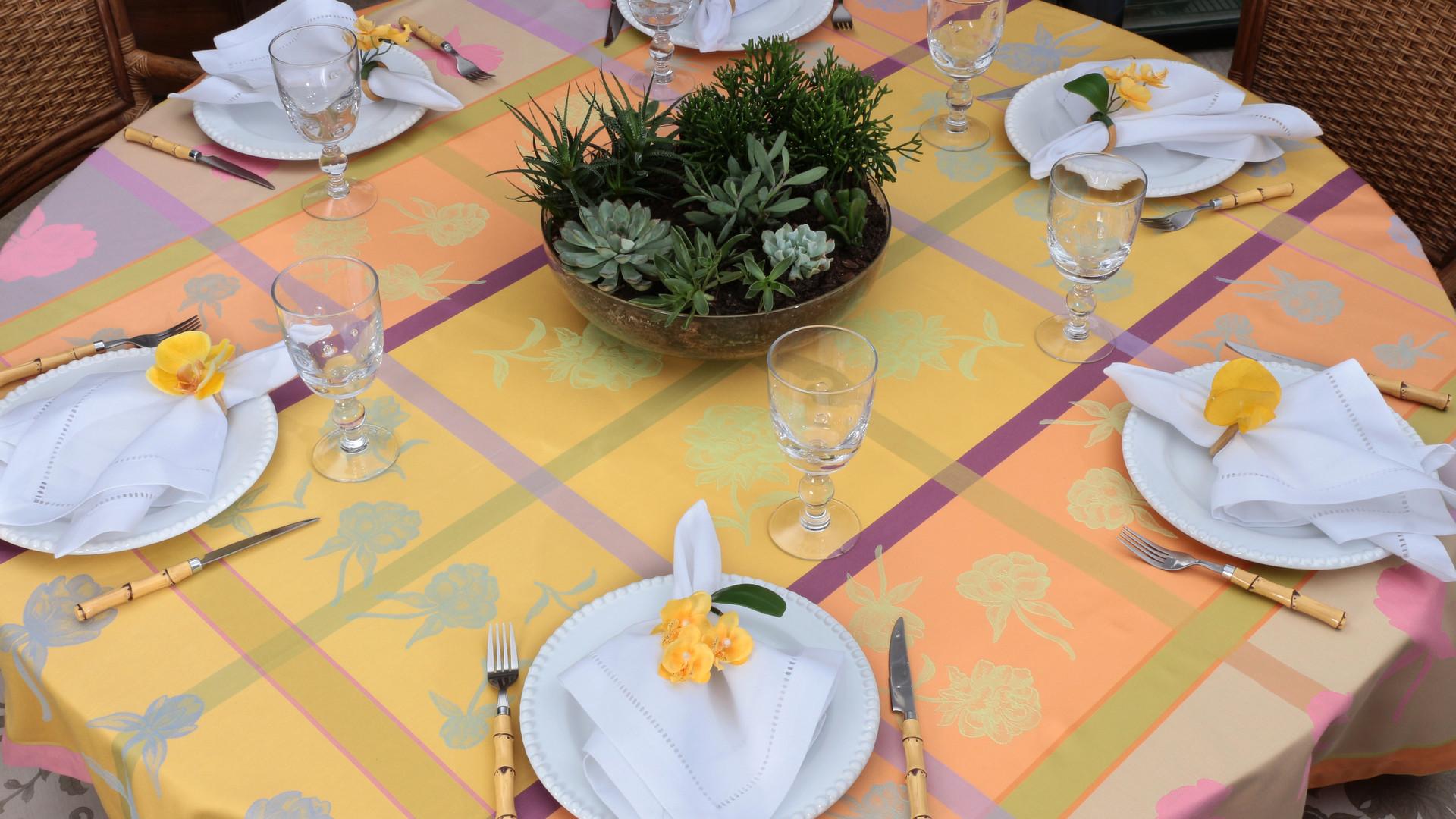 Toalha de Mesa_Isadora_Pivoine Colors (1