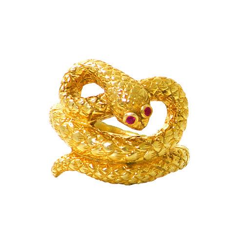 Crawling snake ring