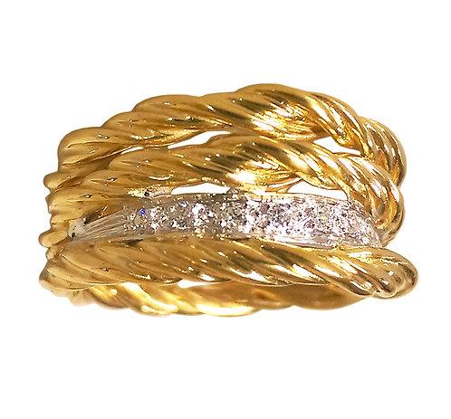 Twist wide diamond ring