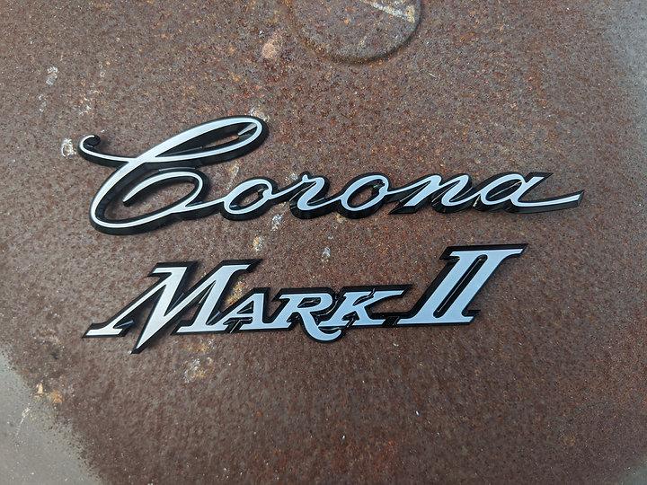 Toyota Corona Mark II badge