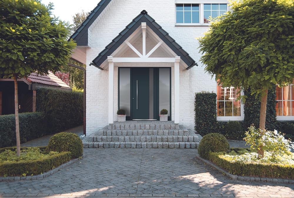 Modern Entrance Door, PVC Entrance Door, Aluminum Entrance Door, Modern Front Door, Contemporary Front Door, St. Catharines, Hamilton, Burlington, Oakville, Toronto, Muskoka, Ottawa,  Montreal