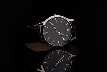 Fancy luxe avec bracelet en cuir sur la
