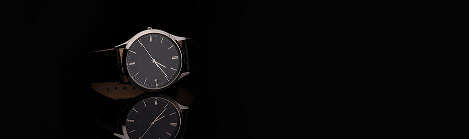 Fancy Luxury Leather Strap Watch on Shin